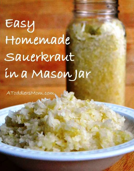 sauerkraut_in_a_mason_jar